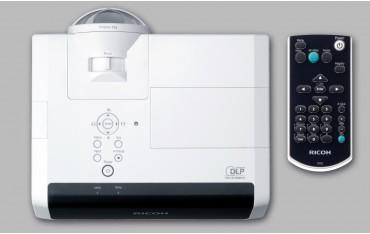 Ricoh PJ X4241N projektor krótkoogniskowy XGA 3300 ANSI